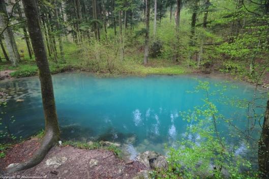 ochiul beiului lake blue color
