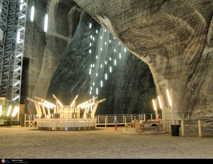 Turda salt mine Romania photos pictures