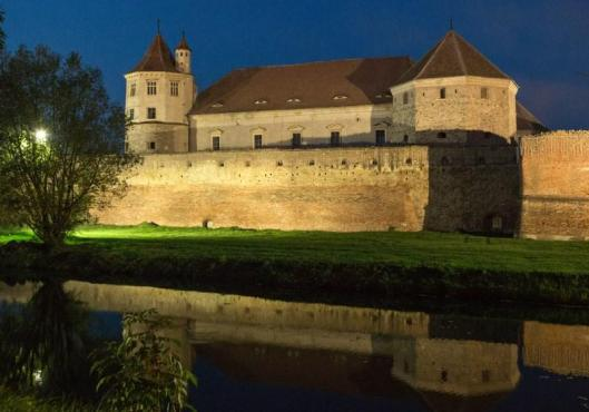 Medieval casttel citadel fortress Romania Transylvania romanian people history eastern europe romanians