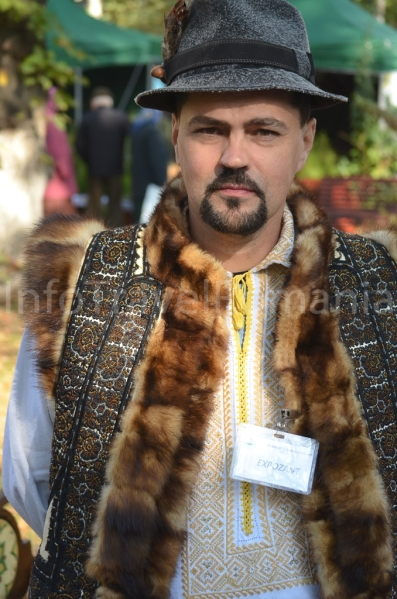 romanian men romanians traditional costume nationale romanesti european europeans