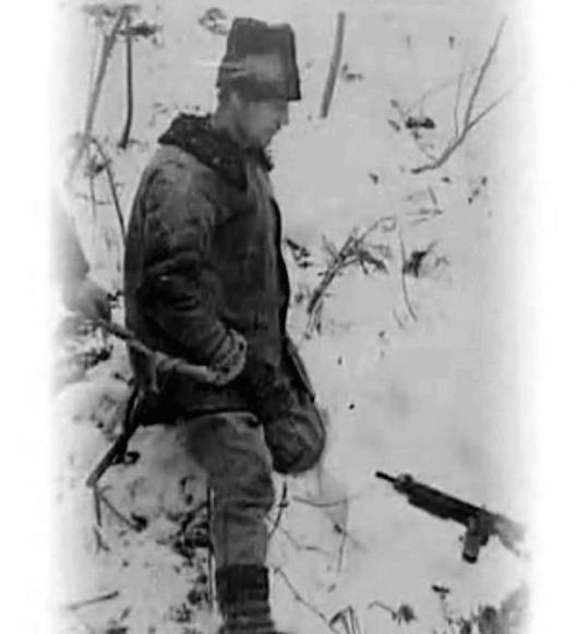 Vasile-Motrescu-la-o reconstituire a Securitatii Grupul Gavrila anti-communist partisans Bucovina Carpathian mountains Romania eastern europe partisan