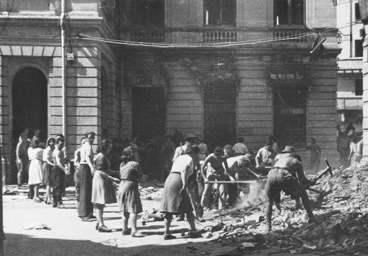 5 Bucharest bombing romania world war 2 bombardamente bucuresti 1944