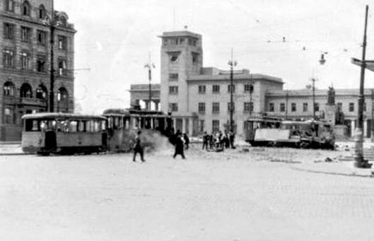 gara nord Bucharest bombing romania world war 2 bombardamente bucuresti 1944 ww2