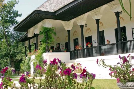 conacul muzeu Bellu manor museum Romania 9